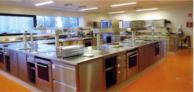 Auch in der Betriebsküche sind die eMC® Reiniger im Einsatz.